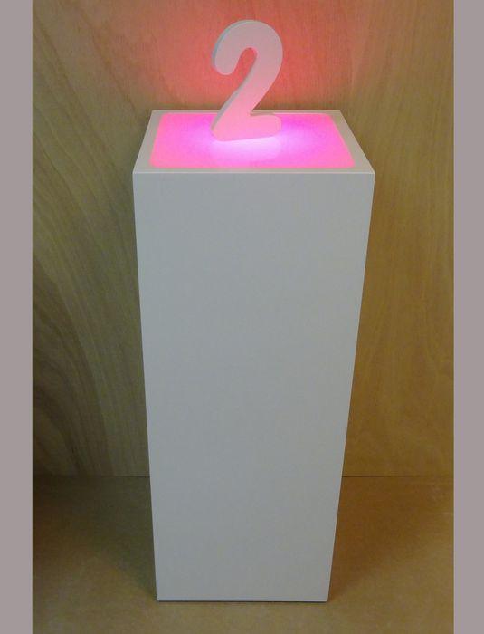 http://www.designzuilen.nl/userfiles/image/zuilen/Zuil_met_ledverlichting.jpg